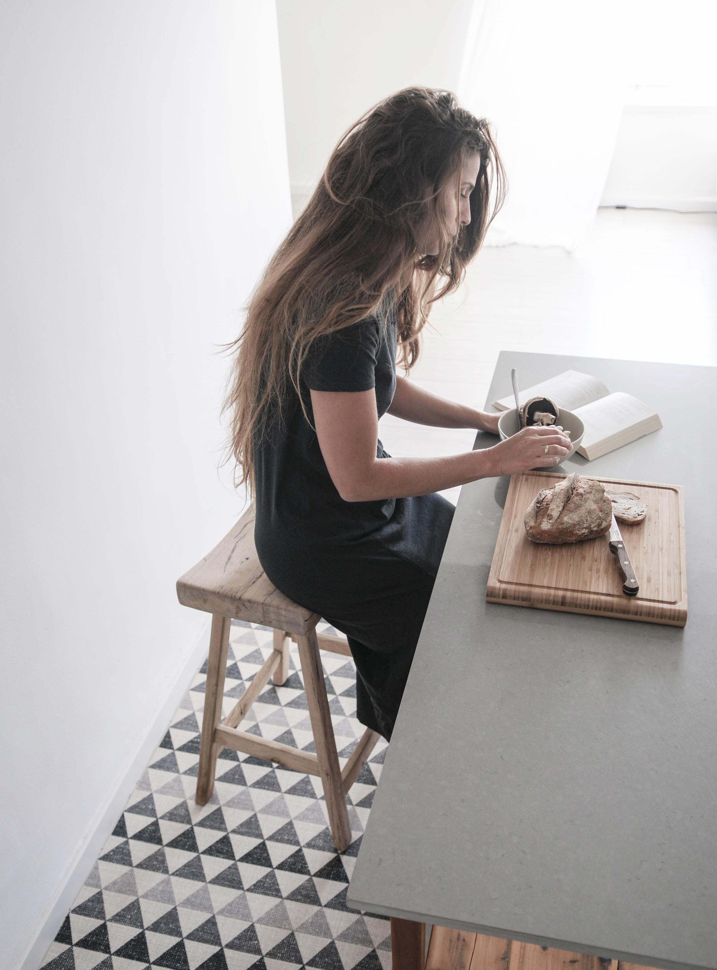 Beija flor, Crossing Parallels Studio